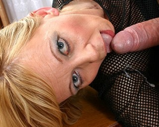 This kinky housewife loves to munch on a big cock