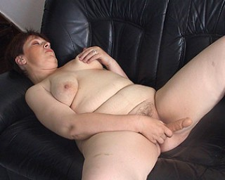 Chubby housewife loves the taste of cock